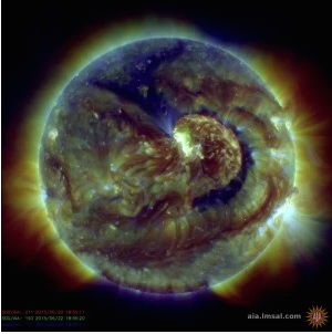 The sunspot AR2371 is behind Monday's geomagnetic storm activity. (NASA/SDO)